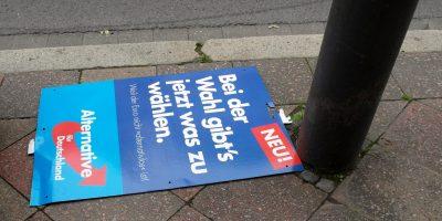 AFD plakat nedslagen